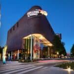 Holland Casino Enschede spreidt kerstgevoel onder minderbedeelden